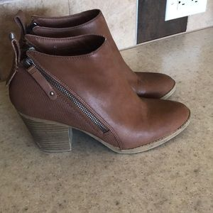 DV Ankle Booties 8.5